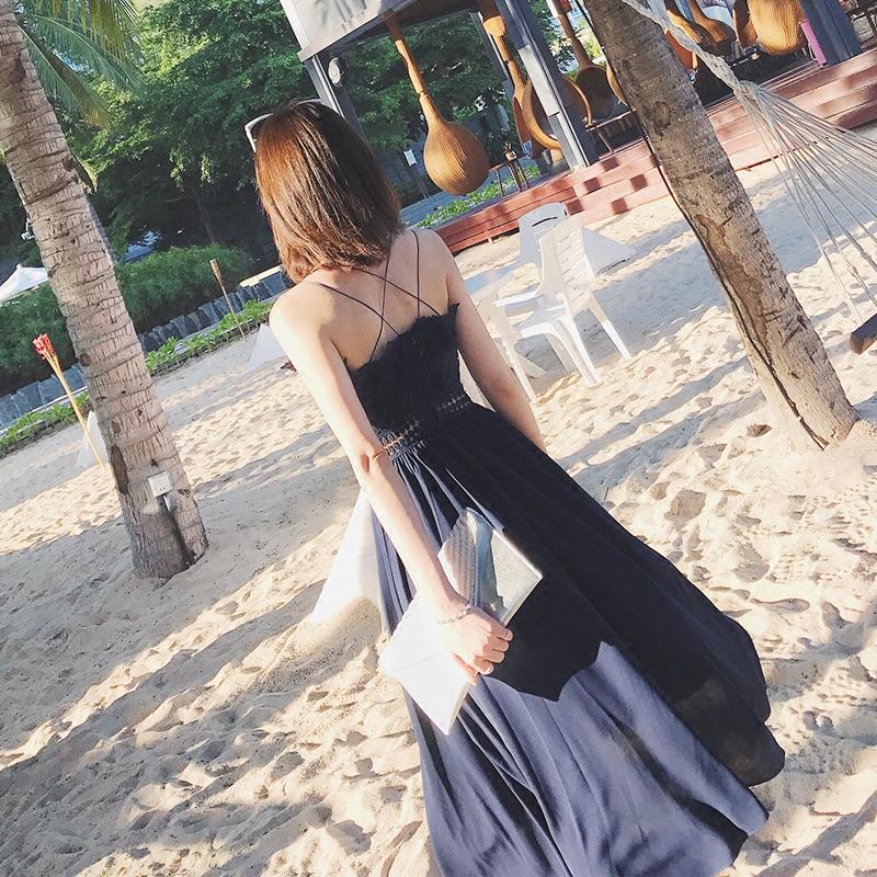 露肩刺绣长裙