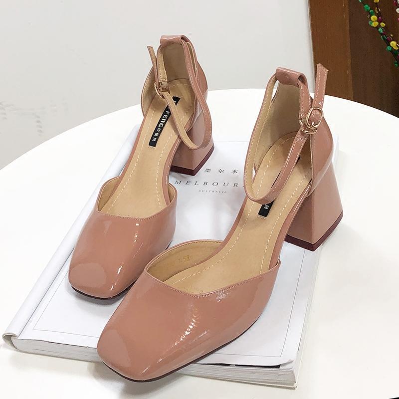 粉色裸色单鞋